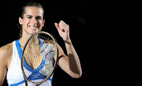 amelie-mauresmo-wins-most-expensive-tennis-racquet