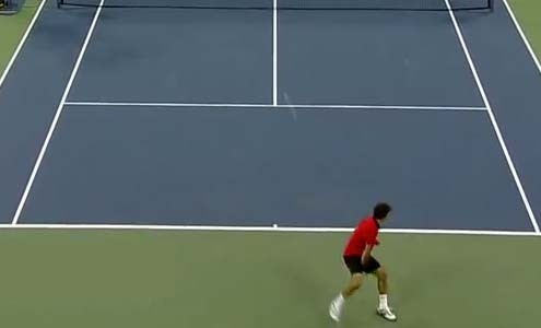 roger-federer-hitting-the-tennis-tweener-shot